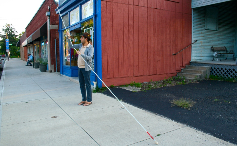 Long Cane (Small image -Putting together coffee shop)