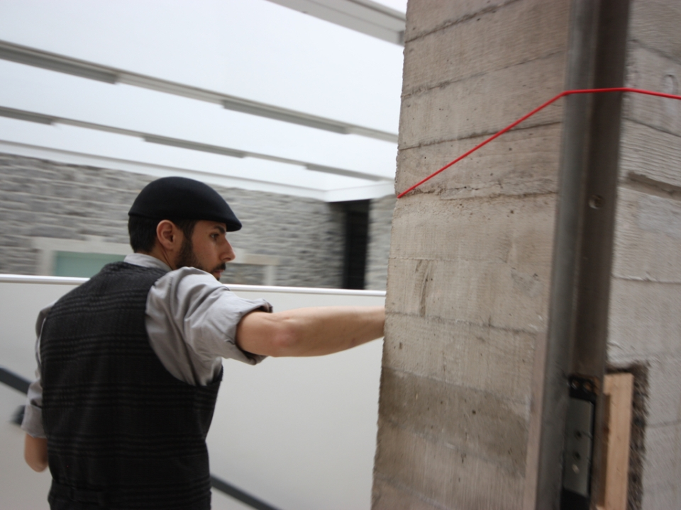 Carmen Papalia - Guiding String, Artist follows his installation